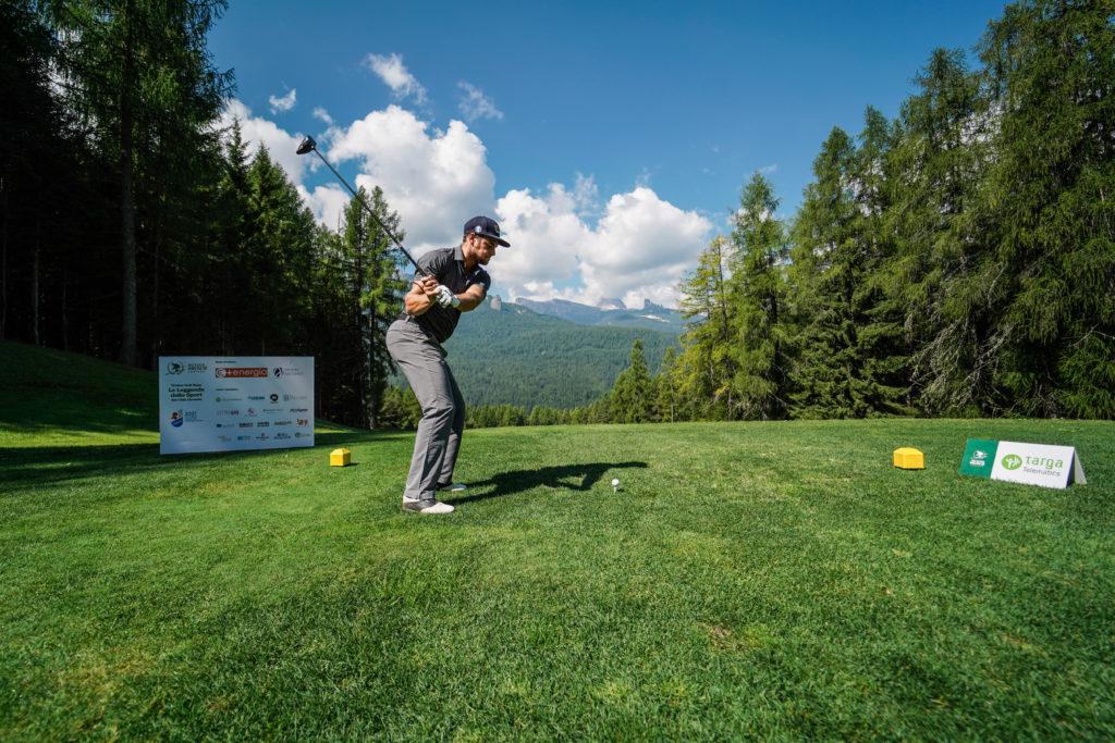Emanuele Buzzi Official Website Una Bella Giornata Al Golf Club Di Cortina